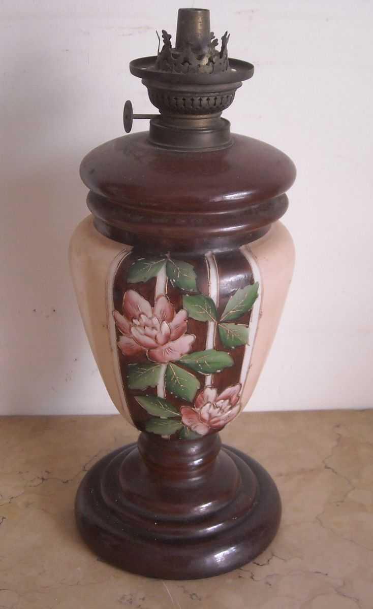Bella Lampada Da Tavolo Antico Lume A Petrolio Liberty Vetro Dipinto Floreale